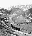 Vista su La Pozza (Selva di Val Gardena) e relativa stazione.jpg