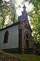 Vrcholová kaple křížové cesty na Kalvárii - boční pohled.JPG