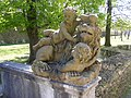 Würzburg - Residenzgarten, Figur gekrönter Löwe.JPG
