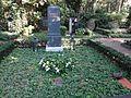 Waldfriedhofdahlelm ehrengrab Juhnke, Harald.jpg