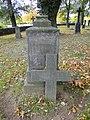 Wamckow Kirchhof Grabkreuz Bülow 2012-10-11 410.JPG