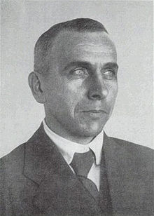 Black and white bust photograph of Wegener taken around 1925