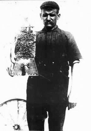 Gustave Whitehead - Gustave Whitehead with an early engine