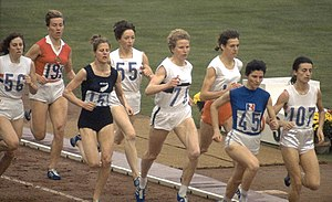 Anne Smith (middle-distance runner) - Image: Women 800 m final 1964 Olympics 1964b