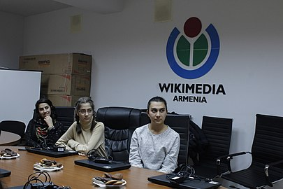 Workshops at Wikimedia Armenia, 24 Nov 2017 04.jpg