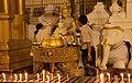 Yangon-Shwedagon-550-WochentagS-Merkur-Elefant mit Stosszaehnen-Mittwoch1-gje.jpg