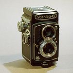 File:Yashica-C medium format film TLR camera.jpg