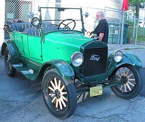 Artillery wheel - 1927 Ford T with artillery wheels