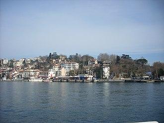 İstinye - Image: İstanbul İstinye koy&iskele r Şub 2013