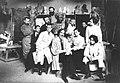 ИАХ. Скульптурная мастерская. Профессор В. А. Беклемишев с учениками (1910).jpg