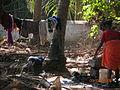 Индийская женщина стирает.JPG