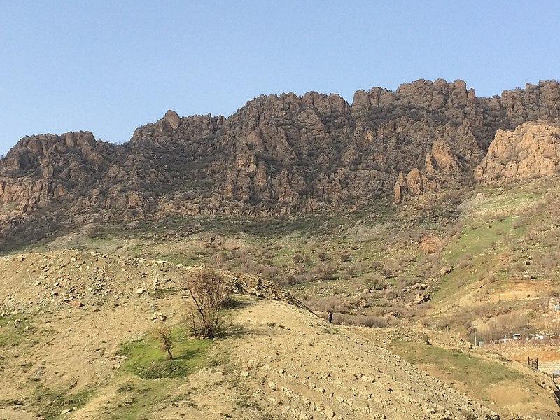 File:جبل پيره مكرون - محافظة السليمانية.jpg