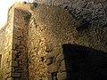 033 Castell de Montsoriu, pati del recinte sobirà, escala.jpg