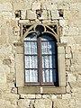 066 Monestir de Sant Cugat del Vallès, palau abacial, finestral gòtic.JPG