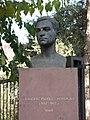 138 Bust de Francesc Pujols davant la Torre de les Hores (Martorell).jpg