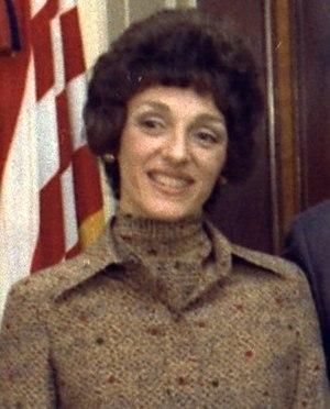 Joan Mondale - Image: 1977Joan Mondale NARA173414crop