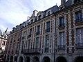 20, 22 Place des Vosges Paris.jpg