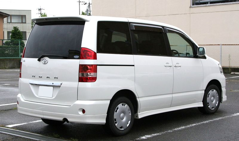 White Ghini Car Price