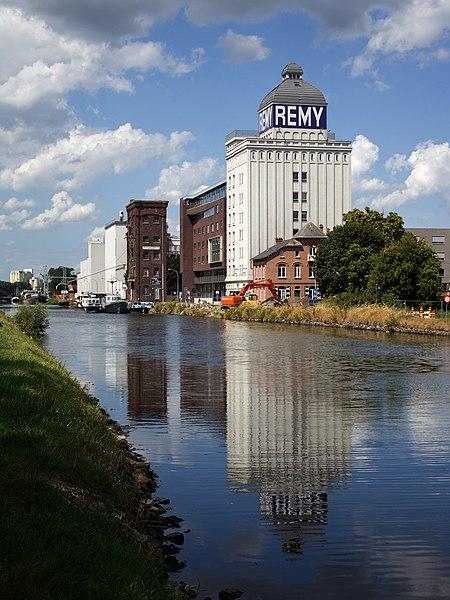 File:200222-Silotoren Remy site Wijgmaal.jpg