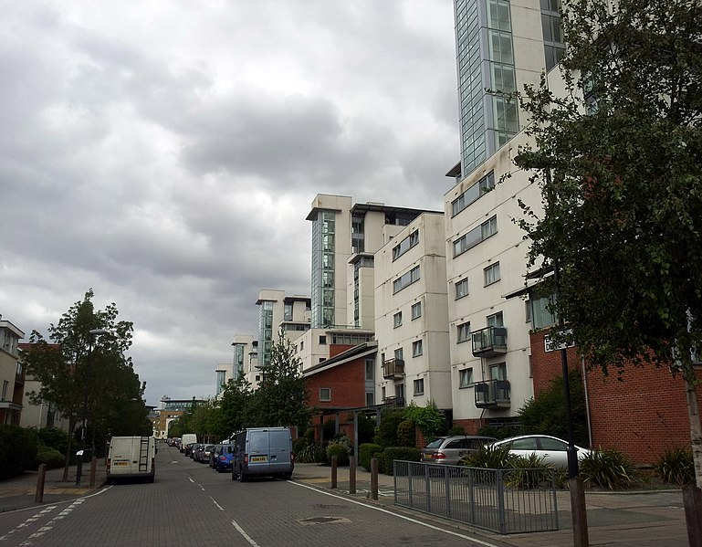 File:2015 London, Woolwich-Thamesmead West, Erebus Dr-Royal Artillery Quays.jpg