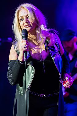 2016 Bonnie Tyler - by 2eight - DSC8564.jpg