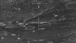 ファイル:2 Apaches Engage a Group of Taliban fighters.WebM