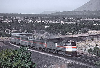 Hi-Level - Hi-Levels mix with slightly taller Superliners on the Southwest Limited in 1981