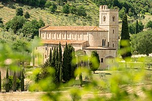 Abbey of Sant'Antimo - The abbey viewed from a distance