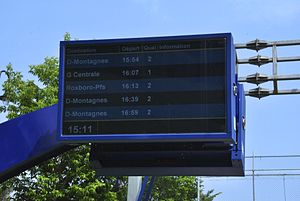 Réseau de transport métropolitain - A schedule display board at Mont-Royal station