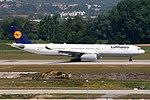 Airbus A330-343X Lufthansa D-AIKN (9350329409).jpg