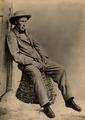 Alexandre Herculano sentado num cesto, na sua quinta de Vale de Lobos.png