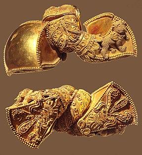 Andhra Pradesh Royal earrings 1st Century BCE