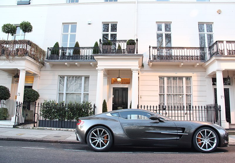 File:Aston martin one-77 (6778327056).jpg