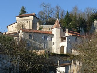 Aubeterre-sur-Dronne - View of the Chateau