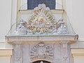 Auge der Vorsehung und Wappen Familie Károlyi, Liebfrauenkirche, 2021 Csongrád.jpg