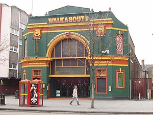 Shepherd's Bush Palladium - The Walkabout pub, formerly the Shepherd's Bush Palladium, in 2008