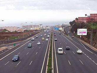 Autopista TF-5 - TF5 motorway approaching Santa Cruz