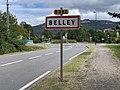 Avenue du 19 Mars 1962 (Belley) et panneau d'entrée dans la commune.jpg