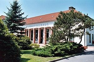 Bad Klosterlausnitz, das Kurmittelhaus