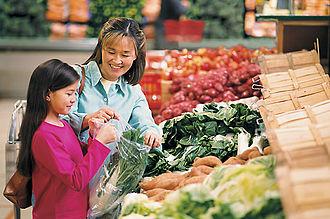 Plastic bag - Image: Bagging vegetables