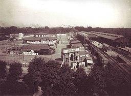 Bahnhof Berlin Zoologischer mit West-Eisbahn, Waldemar Titzenthaler Public domain