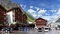 Bahnhofplatz, Zermatt.jpg