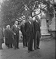 Begrafenis dr. G.H.C. Hart. Links vooraan dr. Van Mook, minister van Koloniën, n, Bestanddeelnr 935-2154.jpg