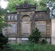 Berlin, Kreuzberg, Bergmannstrasse 45-47, Friedhof IV der Jerusalems- und Neuen Kirche, Erbbegraebnis Soltmann