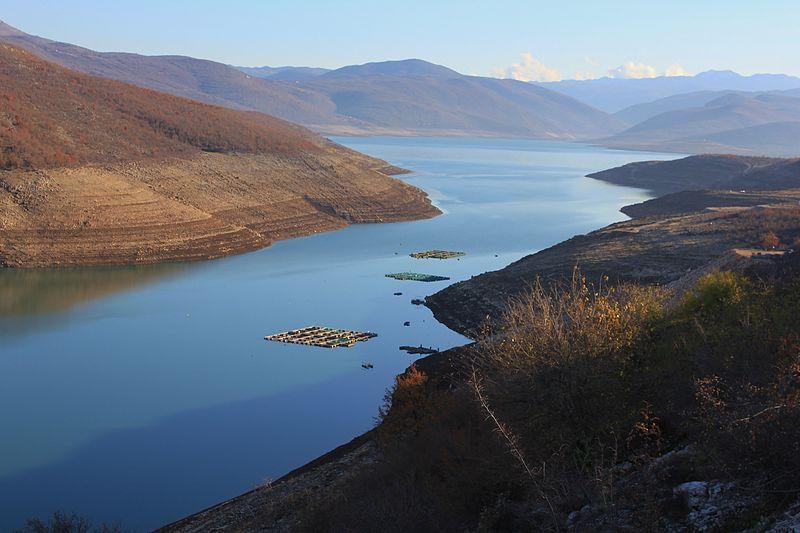 File:Bilećko Lake.JPG