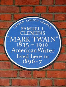 Blue plaque commemorating samuel l. clemens mark twain 1835 1910 american writer lived here in 1896 7