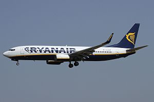 Boeing 737-8AS, Ryanair JP7470758.jpg