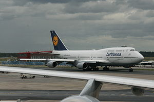 Boeing 747-430 D-ABVC 6685.jpg