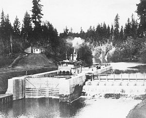 Bonita (sternwheeler 1900) - Bonita at the opening of the Yamhill River lock and dam, September 24, 1900