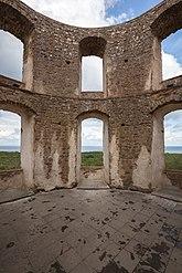 Fil:Borghom Castle internal view 4.jpg